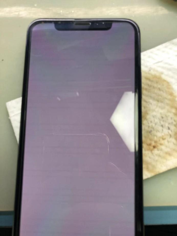 iPhone X GPU电感空焊导致花屏重启故障维修