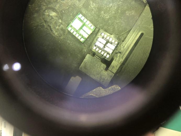 iPhone X 前置排线腐蚀导致白苹果重启维修案例