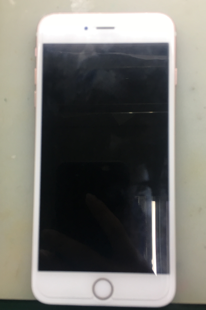 iPhone 6S Plus手机进水不开机、后置摄像不能用维修