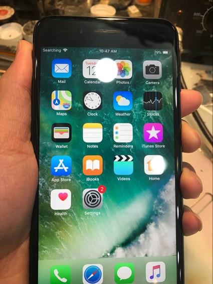 iPhone 7 Plus插卡显示正在搜索故障维修