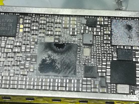 iPhone 7 Plus手机不开机,不联机维修